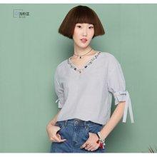 熙世界2017夏季新品韩版五分袖直筒竖条纹V领刺绣衬衫女106SC338