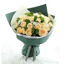 夏日恋曲----香槟玫瑰33枝、绿色小雏菊8枝