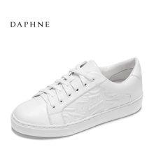 Daphne/达芙妮17春休闲平底鞋 时尚字母纹理系带小白鞋1017101066