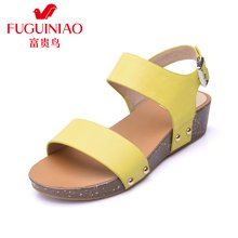 富贵鸟(FUGUINIAO)头层牛皮凉鞋 便携金属挂扣 防滑坡跟女鞋 N69M805C