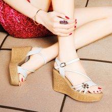 莱卡金顿 2016夏季新款坡跟露趾女凉鞋珍珠装饰凉鞋厚底防水台女鞋 LK/6072