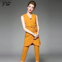 洛樊2017夏季新款时尚OL纯色无袖小西装+休闲裤 套装送抹胸LF72809173