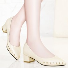 金丝兔中跟单鞋女春季新款浅口鞋子女粗跟皮鞋尖头铆钉女鞋工作鞋潮