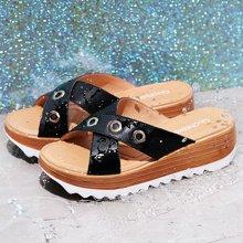 古奇天伦 圆头坡跟拖鞋2018夏季新款一字型金属装饰女凉鞋子 TL/8933