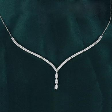 Cerana白18K金鉆石項鏈女款V形鎖骨鏈綻放系列