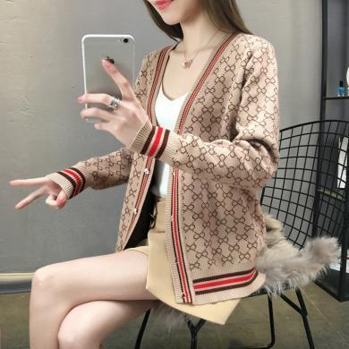 百依?#36424;?新款韩版宽松单排扣外套毛衣针织开衫女 4169