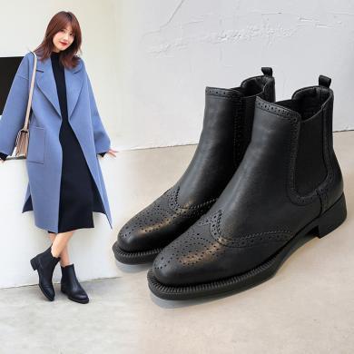 阿么短靴女粗跟2019冬季新款黑色切尔西靴复古平底布洛克雕花靴子F720