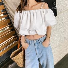 七格格襯衫女2019新款夏季韓版寬松短款露臍白色一字肩吊帶上衣潮