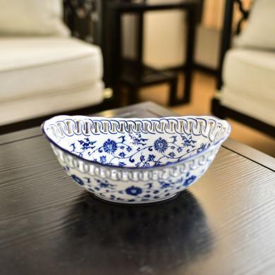 墨菲景德鎮新中式青花瓷鏤空水果盤客廳糖果干果盤零食盆茶幾擺件