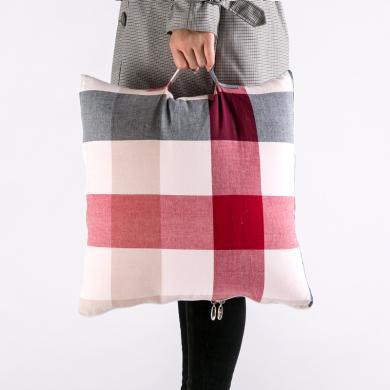 北歐水洗棉格子多功能抱枕被 日式手提汽車空調靠墊被子