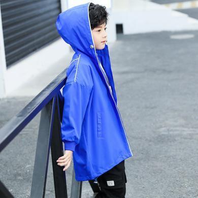謎子 童裝外套春秋裝新款男童夾克中大童連帽外衣字母印花運動服時尚穿搭