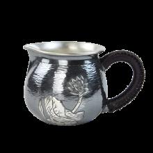 AlfunBel艾芳贝儿纯手工錾刻银公道杯 银茶海银公杯990 银茶具配件银壶-鱼戏荷叶C-AG-98-12