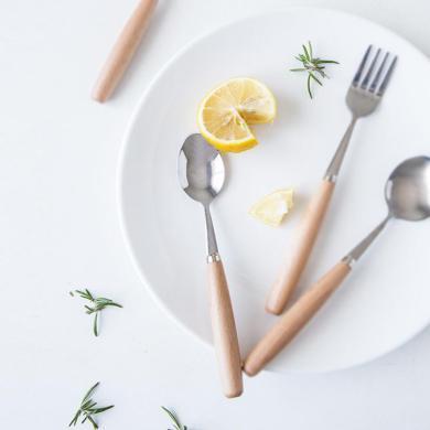 摩登主婦日式不銹鋼西餐餐具套裝家用木制長柄刀叉勺子湯匙