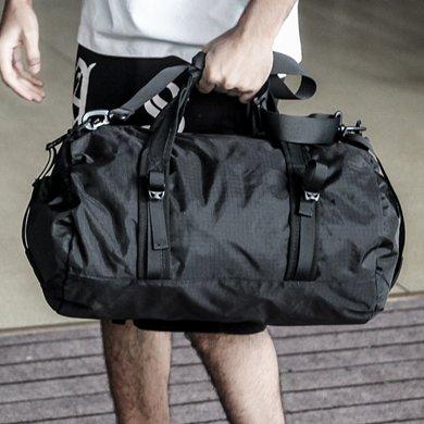 香炫兒XIASUAR 男健身包折疊新款圓筒包挎包旅行袋運動男包休閑包可折疊式單肩包