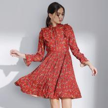 亿族 红色连衣裙春季新款大码女装裙子长袖系带连衣裙碎花百褶连衣裙女