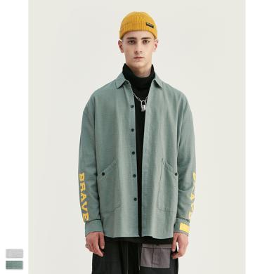 EastLevel 2019秋冬新款歐美個性英文印花圓弧下擺男式長袖寬松襯衫 cs30