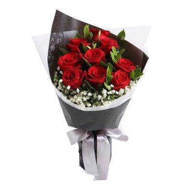 愛情花火----紅玫瑰9枝,搭配梔子葉滿天星適量
