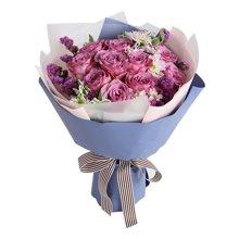 只要有你----紫玫瑰11枝,浅粉色雏菊3枝