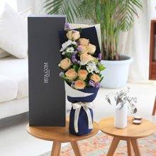 我只钟情你----香槟玫瑰11枝、白色小雏菊3枝