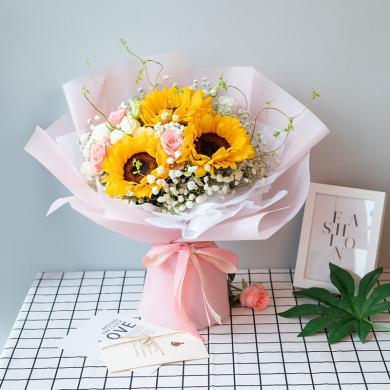 【風一樣的女子】向日葵3枝搭配戴安娜粉玫瑰滿天星鮮花花束禮物送愛人閨蜜好友情人節創意禮物送女朋友新年春節送禮拜訪生日禮物