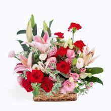 圓滿----康乃馨6枝,紅玫瑰7枝,粉香水百合2枝(5朵)