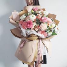 小栗馬馬原創手作鮮花 玫瑰花園 浪漫粉色玫瑰 進口花束花盒 【進口花束】 新鮮玫瑰 生日求婚情人節禮品