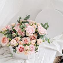小栗馬馬原創手作鮮花 玫瑰花園 浪漫粉色玫瑰 國產花束花盒 【圓形花盒】 新鮮玫瑰 生日求婚情人節禮品