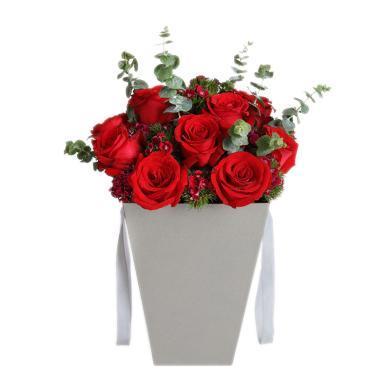 浪漫巴黎-紅玫瑰12枝,石竹梅7枝鮮花情人節創意禮物送女朋友新年春節送禮拜訪生日禮物