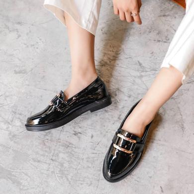 潮牌2019春季新款女鞋休闲鞋亮面小皮鞋平底套脚乐福鞋GT715-17