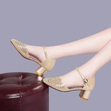 搭歌2019春夏款一字扣帶涼鞋女粗跟時尚鏤空高跟鞋百搭女鞋MO9277