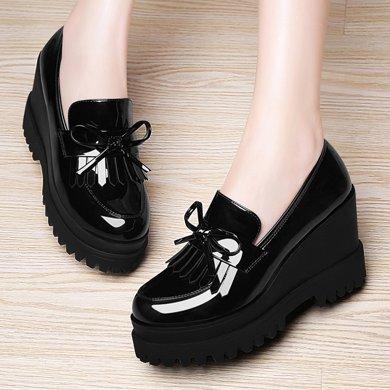 古奇天伦 春季加绒女鞋流苏坡跟女鞋圆头镜面低帮鞋女鞋子加绒款式女鞋 TL/8457-1