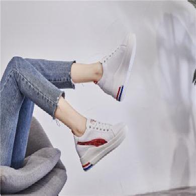 潮牌女鞋内增高小白鞋子女新款秋百搭韩版学生厚底ins帆布板鞋女街拍YP2882