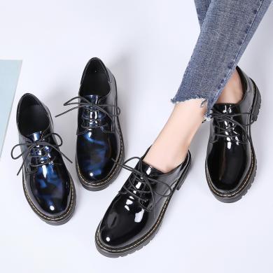 新款粗跟中跟韩版休闲漆皮亮色单鞋学院风休闲女鞋MN9564