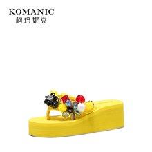 柯玛妮克 2018夏季新款厚底防水台女鞋 棉布夹趾凉拖花朵饰坡跟鞋K82001