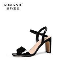柯玛妮克 2018夏季新款黑色女鞋子 牛漆皮粗跟凉鞋女露趾高跟鞋K83675