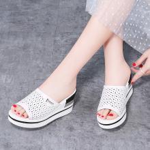 古奇天伦2019夏季新款镂空防水台鱼嘴露趾坡跟拖鞋一字式女鞋9515