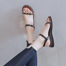 阿么凉鞋女2019新款时尚铆钉坡跟平底鞋透明一字带夏季百搭罗马鞋