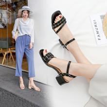 阿么仙女风一字带凉鞋女2019夏季新款韩版网红格子粗跟晚晚高跟鞋