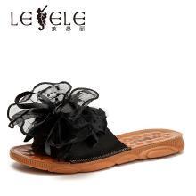 莱思丽女拖鞋夏新款低跟花朵女鞋 沙丁布凉拖女外穿一字拖鞋女ZYH91-LB7153