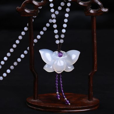 盈滿堂 明星同款白玉髓蝴蝶吊墜送手工編織項鏈