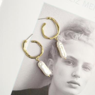 風下Hrfly   歐美時尚氣質金屬風耳環女日韓國天然珍珠耳釘長款流蘇吊墜   附高檔包裝