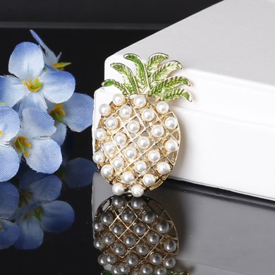 盈滿堂 時尚百搭菠蘿珍珠胸針