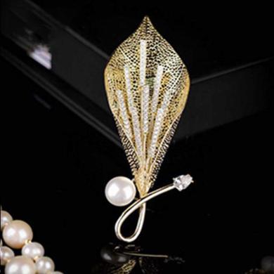 風下Hrfly 高端定制胸針 8-9mm天然強光珍珠 馬蹄蓮花縷空胸針 925銀鍍金 附高檔包裝
